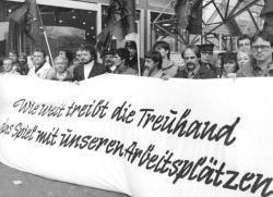 Demonstration gegen die Treuhand in Berlin (1990)
